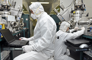 8 Industries That Need A Cleanroom Medium Image